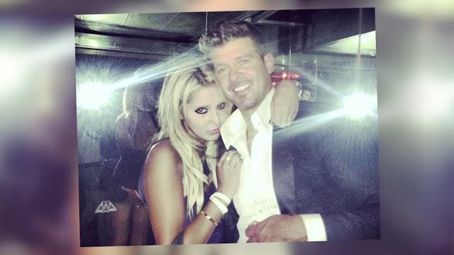 5363693-Robin-Thicke-Busted-Grabbing-NYC